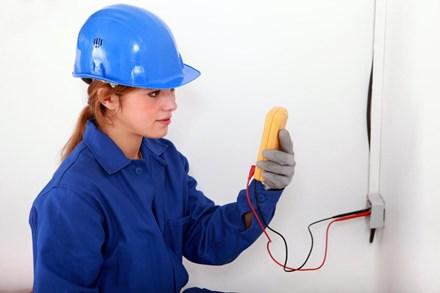 Вызов специалиста на освидетельствование Акта по сдаче-приемке электромонтажных работ