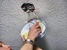 Крепеж потолочной люстры